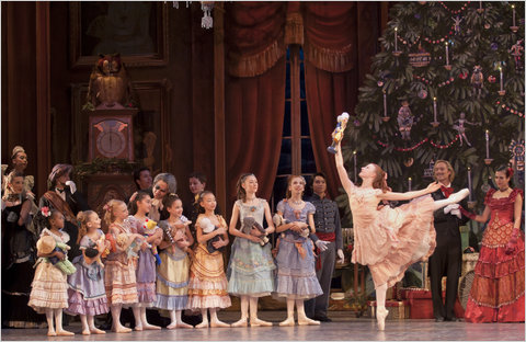 christianne-campbell-in-the-washington-ballets-production-of-the-nutcracker