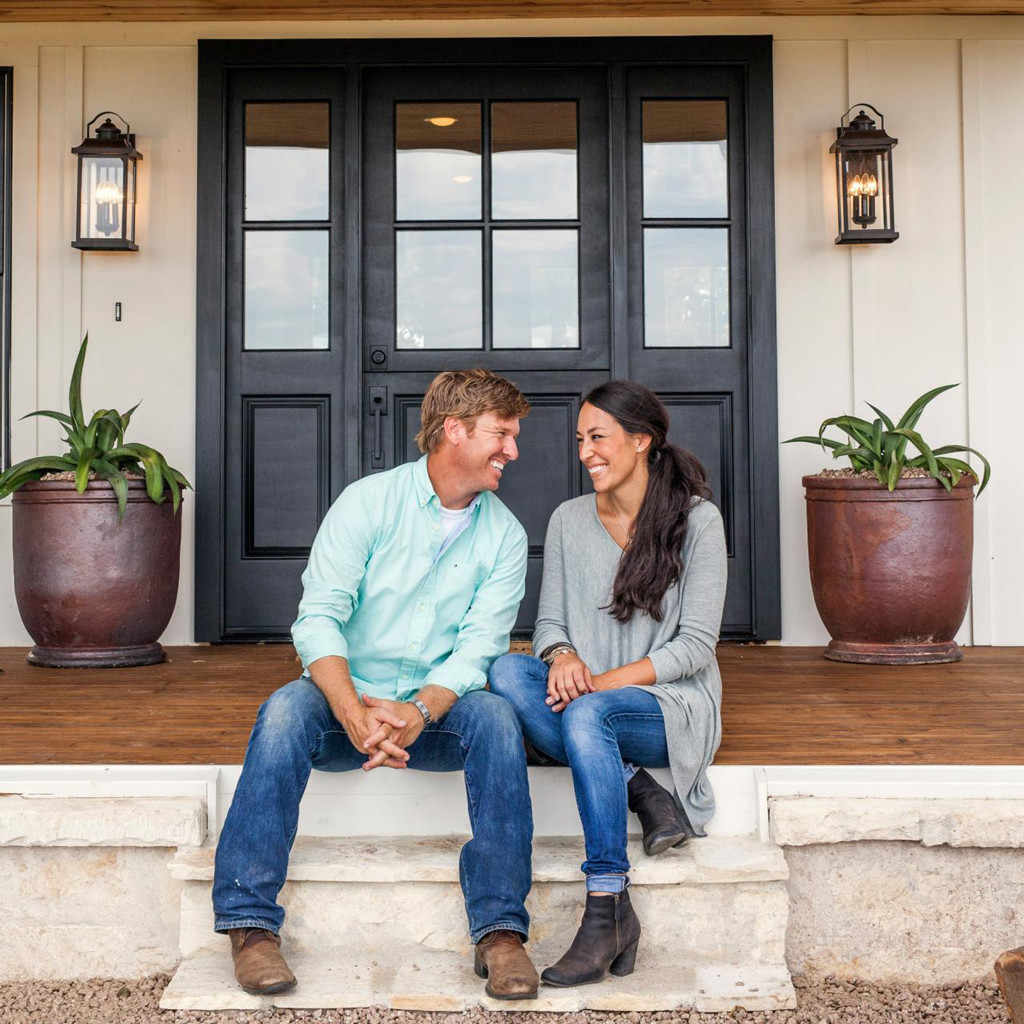 rs_1024x1024-170428115318-1024-8joanna-gaines-chip-fixer-upper